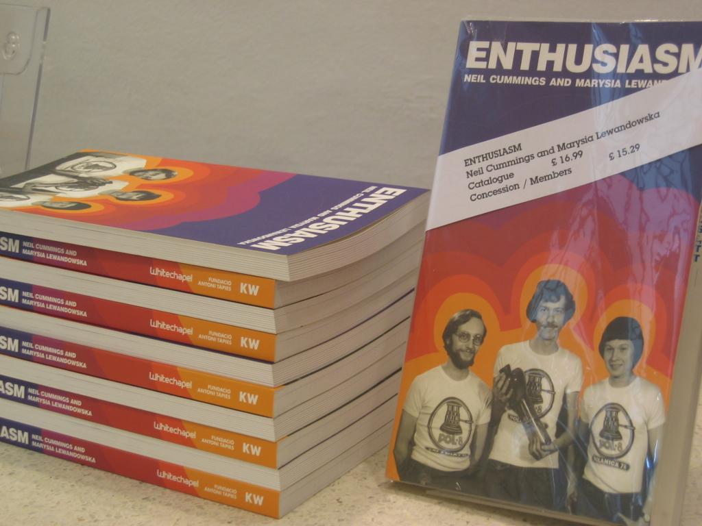 Trilingual catalogue of the Enthusiasm Exhibition designed by Grzegorz Laszuk, KiS Warszawa